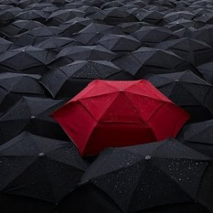 red_umbrella-w black
